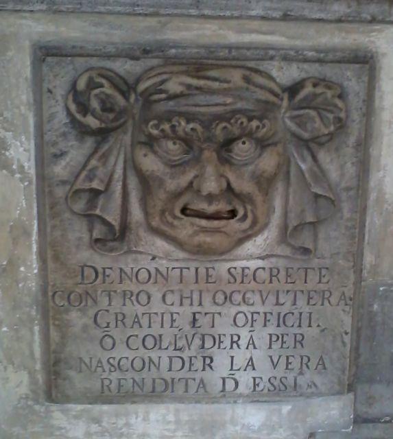 Secret denunciations postbox